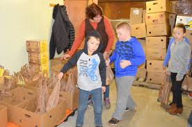 Pantryk He Wilton Students Deliver Items To Food Pantry Lewiston Sun Journal