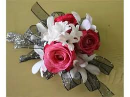 White Wrist Corsage Set Of White And Red Wrist Corsage Pictures Romance Youtube