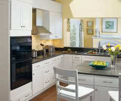 shaker style kitchen cabinets white alpine white shaker kitchen cabinets homecrest