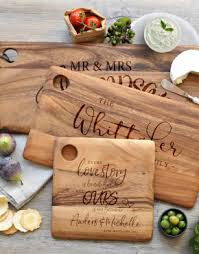 engraved dishes engraved chopping boards serving boards cake stands mugs