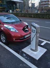 nissan leaf not charging my e life now charging the leaf at an autolib station take 3