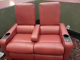 Amc Reclining Seats They Finally Getting New Recliner Seats Hopefully Nobody