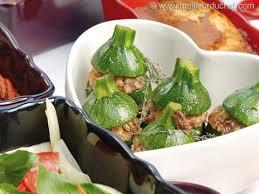 cuisiner des courgettes rondes courgettes rondes farcies notre recette illustrée meilleurduchef com