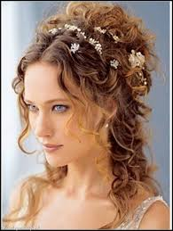 beach hairstyle for curly hair beach wedding hairstyles making the
