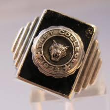 high school class ring companies 26 best the history of american class rings images on