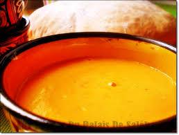 cuisiner du potimarron soupe ou velouté de potimarron la recette facile aux delices