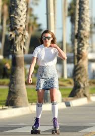 maisie williams roller skating in santa 01 28 2016