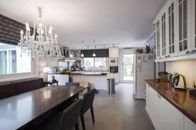grande cuisine maison spacieuse avec grande cuisine jardin et piscine à vendre à