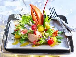 comment cuisiner un homard canapés de homard gratiné recettes femme actuelle