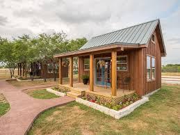 tiny home rentals country tiny house 10min to silos at magnolia 3 waco texas