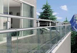 balkon glasscheiben balkongeländer aus glas edelstahl stahl