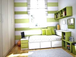 Hgtv Ideas For Small Bedrooms by Fabulous Storage Ideas For Small Bedroom Greenvirals Style