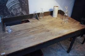 vieux bureau en bois ancien bureau d usine en bois par le marchand d oublis