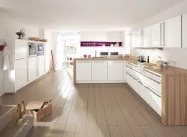 cuisine contemporaine blanche et bois cuisine blanche et bois élégant photos charmant cuisine blanc et