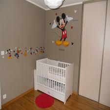 chambre b b mickey impressionnant chambre bb mickey et deco chambre bebe mickey en ce