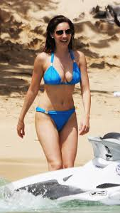 kelly brook bikini pics kelly brook candids in a blue bikini in barbados 02 gotceleb