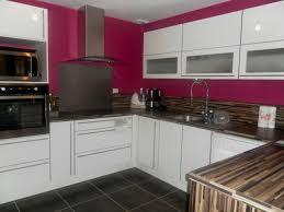 cuisine blanche mur peinture marron cuisine