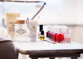 london u0027s best at home beauty services from manicures to massages