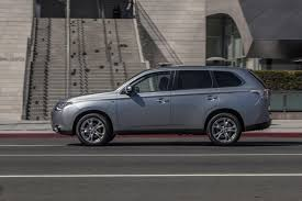 subaru outlander 2014 mitsubishi outlander is official safety vehicle for pikes peak