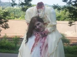 Halloween Costume Headless Man Holding Head Headless Woman Illusion Costume 7 Steps