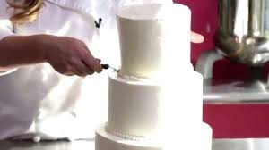 short and sweet how to cut a wedding cake youtube