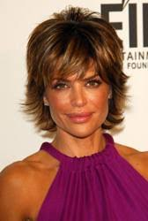 lisa renick hairstyles lisa rinna short sassy signature hairstyle hairboutique articles