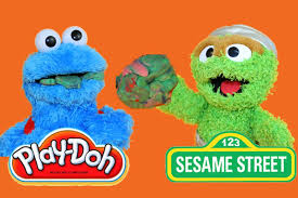 sesame street play doh oscar the grouch feeds trash play doh to