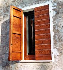 persiane legno arredi fiorelli infissi in legno finestre e serramenti per