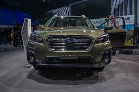 subaru outback touring green 2018 subaru outback gets new style tons of tweaks autoguide com