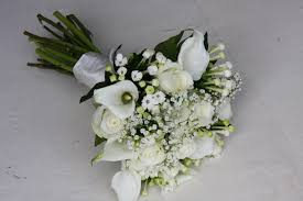 simple wedding bouquets the flower magician a simply all white wedding bouquet