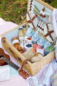best 25 picnic baskets ideas on picnic ideas pinic