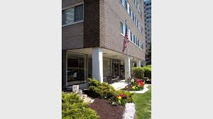 2 Bedroom Apartments For Rent Gold Coast Marine Towers West Apartments For Rent In Lakewood Oh Forrent Com