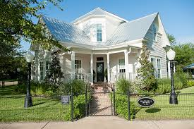 Magnolia Real Estate Waco Tx by Magnolia Stay Booking And Photos Chip U0026 Joanna Gaines