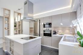 cuisine cocooning appartement aux délimitations épurées by espace idea ambiance