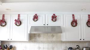 how to make kitchen cabinets how to make a wreath for your kitchen cabinets
