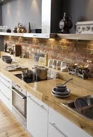 cuisine plan de travail bois la cuisine en bois massif en beaucoup de photos cuisine bois