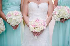 Bridesmaid Flowers How To Save Money On Your Wedding Flowers