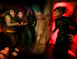 best day to go to halloween horror nights scaredy cat u0027s survival guide to universal studios hollywood horror