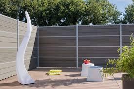 cloture de jardin pas cher 4 idées pour trouver clôture à sa haie travaux