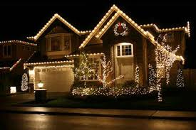 christmas light service chicago holiday lighting paramount home services