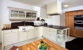 küche landhausstil modern landhausküche modern so wird die landhausküche gemütlich und