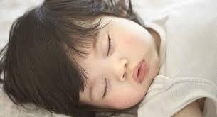 température chambre bébé été comment bien garder votre bébé au frais quand il fait chaud