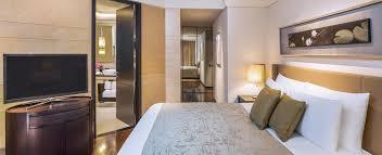 Kibkktwobedroomfamilysuitekingbedroomjpgwidthheightmodecropanchormiddlecenterautorotatetruequalityscalebothprogressivetrue - Two bedroom suites in san diego