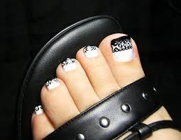 black toes
