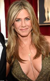 jennife aniston nude jennifer aniston in very low cut gown on sag awards 2015 red