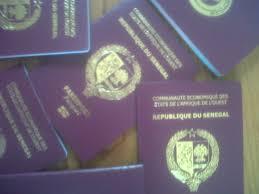 bureau pour passeport cadre des affaires étrangères mouillé dans une affaire de faux sur
