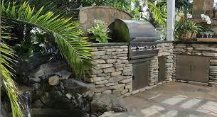 cuisine exterieure en cuisine extérieure cuisine d été foyer bbq laval