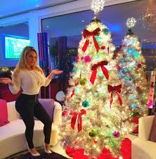 celebrities and their christmas trees 2016 edition christmas