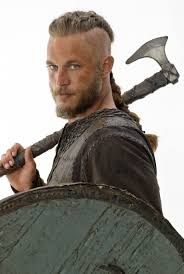 travis fimmel hair for vikings travis fimmel talks vikings at wondercon 2013 collider