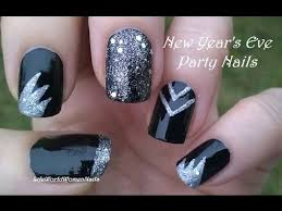 Nail Art Designs For New Years Eve Party Nails For New Year U0027s Eve Black U0026 Silver Nail Art Design